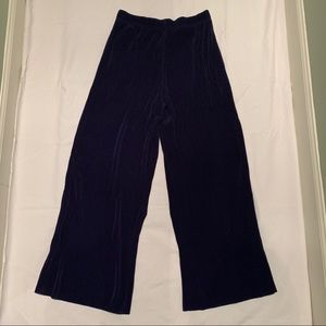 NWT Uniqlo navy pleated wide leg pants